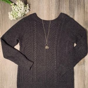Abercrombie & Fitch Gray Cable Knit Sweater Small